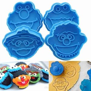Sesame Street 4 PC – Cookie Plunger Cutter Set